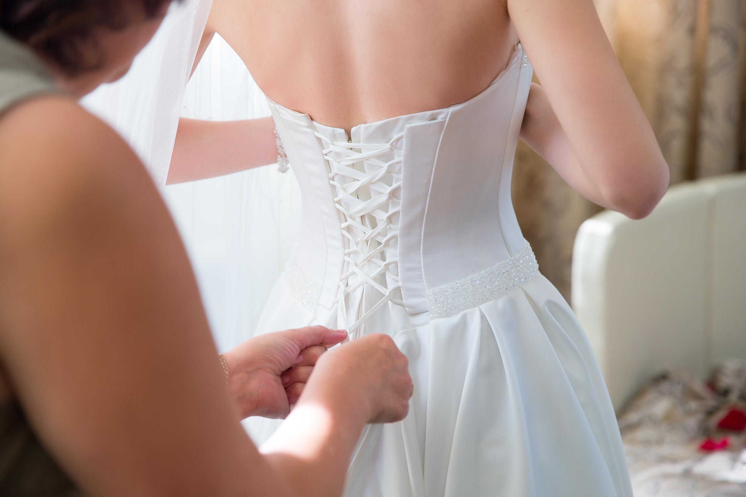 Bride,Wearing,Wedding,Dress